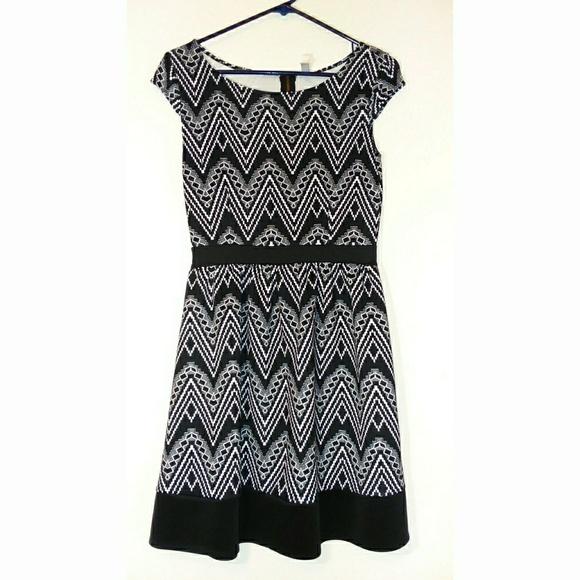 Xhilaration Dresses & Skirts - Dresses
